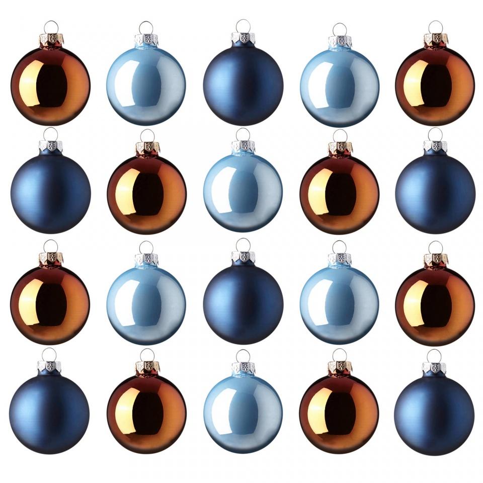 Van de Sint, hoppa, naar de Kerst.Voor een kerstknutsel is juf Mariska op zoek naar grote kerstballen die we willen gebruiken en versieren. Heeft u, of uw familie of buren, vrienden..... deze nog liggen en mogen ze 'de boom niet meer in', dan willen wij ze graag zsm hebben! Dank u.