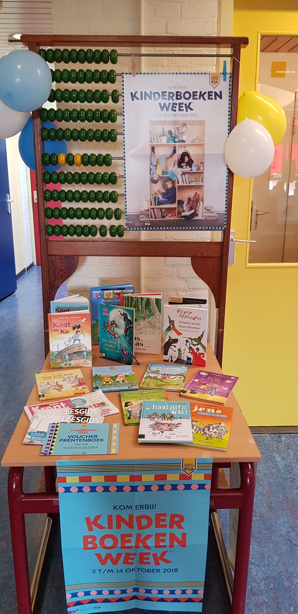 De kinderboekenweek is begonnen.  Als u deze week een mooi boek koopt bij de Bruna,  wilt u de bon dan voor school bewaren? Wij mogen dan voor 20%25 van het totaalbedrag boeken aanschaffen en dat is leuk!