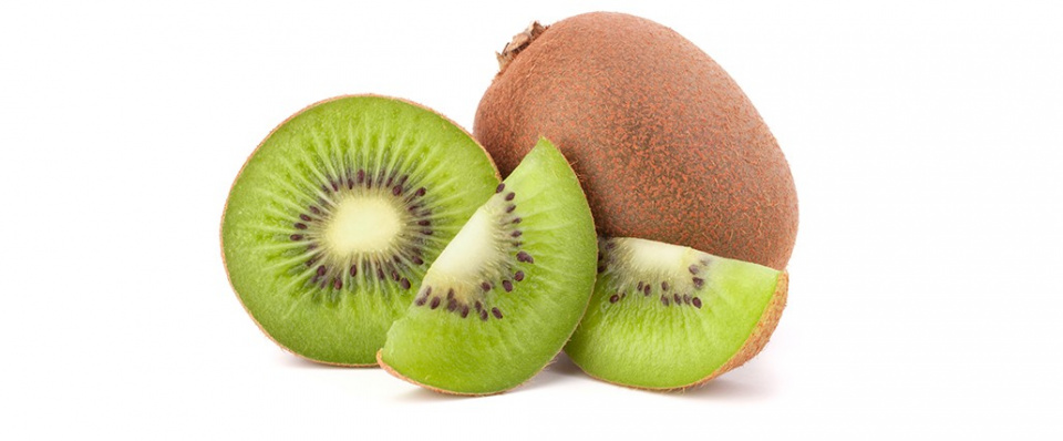 fruit week 47<br />1 kaki voor 2 leerlingen<br />1 kiwi per leerling<br />1 peer per leerling<br /><br />Omdat de kaki een vrij onbekende fruit soort is, hierbij een korte omschrijving:<br />Sharonfruit (kaki)<br />Sharonfruit lijkt op een vierkante tomaat. De naam komt van het dal in Israël waar deze vruchten worden gekweekt. Sharon is een merknaam en kaki de vruchtensoort waartoe hij behoort. Kaki is dus net zo'n verzamelnaam als appel of peer. De smaak is erg zoet en heeft iets weg van abrikozen. Je eet de sharonfruit gewoon zo uit het vuistje, met of zonder schil.<br /><br />Eet smakelijk allemaal!