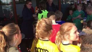 Uitreiking prijzen schoolvoetbaltoernooi 2019
